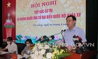 Le président de l'Assemblée nationale Vuong Dinh Huê fait sa campagne à Tiên Lang, ville de Haiphong