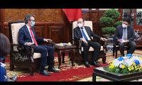 L'UE aidera le Vietnam à fabriquer des vaccins anti-Covid-19