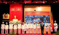 Nguyên Xuân Phuc à la célébration de la 75e Journée traditionnelle de la sécurité publique