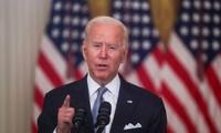 """Joe Biden """"défend fermement"""" la décision du retrait américain d'Afghanistan"""