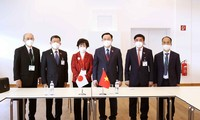 Vuong Dinh Huê rencontre la présidente du Sénat japonais