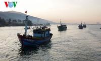ชาวประมงเวียดนามคัดค้านการห้ามจับปลาในเขตทะเลตะวันออก