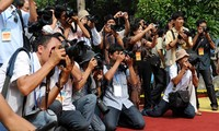 หน่วยงานสื่อสารมวลชนเดินพร้อมกับการพัฒนาของประเทศ