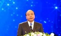 นายกรัฐมนตรีเหงียนซวนฟุ๊กเดินทางไปเข้าร่วมการประชุมผู้นำอาเซียนและเยือนประเทศอินโดนีเซีย