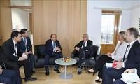 นายกรัฐมนตรี เหงวียนซวนฟุก พบปะทวิภาคีนอกรอบการประชุมระดับสูงเอเชีย – ยุโรป