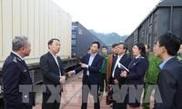สินค้าการเกษตรเวียดนามประมาณ 460 ตันถูกส่งออกผ่านจุดผ่านแดนทางรถไฟนานาชาติด่งดัง