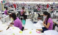 สถานประกอบการเน้นเจาะตลาดและกระตุ้นการอุปโภคบริโภคภายในประเทศ