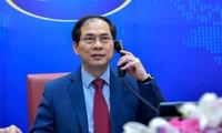 รัฐมนตรีต่างประเทศลาว กัมพูชาและอินโดนีเซียโทรศัพท์แสดงความยินดีกับรัฐมนตรีต่างประเทศ บุ่ยแทงเซิน