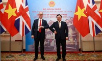 Vietnam, UK promote strategic partnership