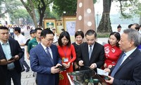 Exhibition spotlights Hanoi's historical milestones