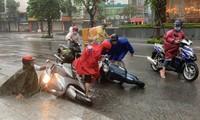 5 airports closed as Storm Etau approaches central Vietnam