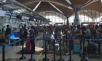 More Vietnamese citizens brought home from Malaysia