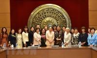 Phó Chủ tịch Thường trực Quốc hội Tòng Thị Phóng tiếp Đoàn nữ Nghị sỹ Quốc hội Nhật Bản
