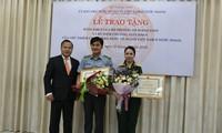 Khen thưởng tập thể, cá nhân có thành tích xuất sắc trong công tác về người Việt Nam ở nước ngoài