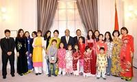 Thủ tướng gặp gỡ đại diện cộng đồng người Việt tại Đan Mạch