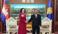 Bà Trương Thị Mai thăm và làm việc tại Campuchia