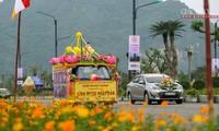 Diễu hành xe hoa trước Đại lễ Vesak tại Hà Nam