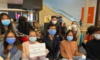 40 du học sinh Việt Nam mắc kẹt ở sân bay Mỹ