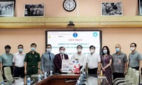 Bộ Y tế tiếp nhận 10.000 bộ kit xét nghiệm COVID-19