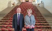 Đại sứ Việt Nam tại Pháp hội kiến Chủ tịch Nhóm nghị sỹ Hữu nghị Pháp - Việt