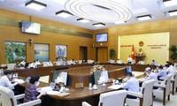 Phiên họp thứ 3 của Ủy ban Thường vụ Quốc hội xem xét miễn giảm thuế cho người dân khó khăn vì COVID-19