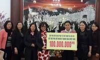 Hội phụ nữ và Hội Phật tử Việt Nam tại Cộng hòa Séc hỗ trợ vốn vay cho người nghèo