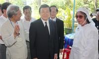 Chủ tịch nước Trương Tấn Sang viếng Giáo sư, Tiến sỹ Trần Văn Khê