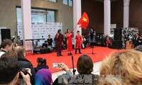 Vietnam joins charity fair in Ukraine