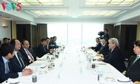 Prime Minister Nguyen Xuan Phuc meets with Japanese investors