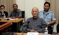 Former Khmer Rouge leader Nuon Chea dies