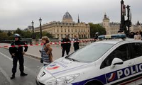 Four killed in knife attack at Paris police headquarters
