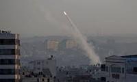 Israeli aircraft strike Gaza militants' facilities in response to rocket firing