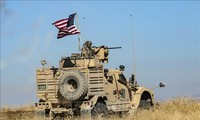 US forces send military gears into Syria and Iraq