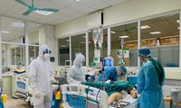 Foreign newspapers acknowledge Vietnam's efforts to save a British Covid-19 patient