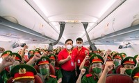 Vietjet flies 1,000 policemen to support HCM City's COVID-19 fight