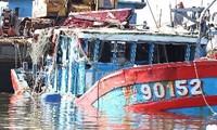 สหภาพแรงงานเวียดนามประท้วงจีนติดตั้งแท่นขุดเจาะไหหยาง๙๘๑ในเขตเศรษฐกิจจำเพาะและไหล่ทวีปของเวียดนาม