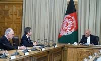 Президент Афганистана обсудил с госсекретарем США вывод войск
