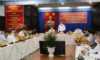 Чыонг Хоа Бинь проверяет работы по профилактике и борьбе с COVID-19 в провинции Тэйнинь  
