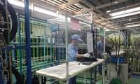 Профсоюзы на предприятиях в Ханое создали группы по обеспечению безопасности трудящихся на фоне COVID-19