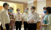 Фам Минь Тинь: Нужно своевременно снять барьеры в сфере исследования и производства вакцин против COVID-19
