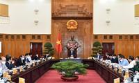 Премьер-министр Фам Минь Тинь: необходимо обеспечить эффективную реализацию программы социально-экономического восстановления и развития
