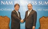 Thủ tướng Nguyễn Xuân Phúc tiếp Bộ trưởng tái thiết kinh tế Nhật Bản