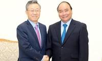 Thủ tướng Nguyễn Xuân Phúc tiếp cựu Bộ trưởng Điều phối chính sách Hàn Quốc