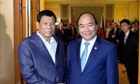 Thủ tướng Nguyễn Xuân Phúc gặp Tổng thống Philippines
