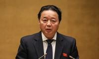 Tiếp tục phiên chất vấn Bộ trưởng Bộ Tài nguyên, Môi trường và Lao động, TBXH
