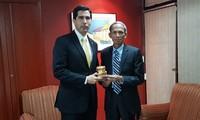 Việt Nam và Paraguay tăng cường hợp tác  Đại sứ Đặng Xuân Dũng, đại sứ Việt Nam tại Argentina kiêm