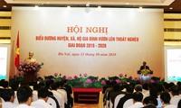 Phó Thủ tướng Vương Đình Huệ biểu dương huyện, xã, hộ gia đình vươn lên thoát nghèo giai đoạn 2016 - 2020