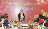 Hoạt động của lãnh đạo Đảng, Nhà nước thăm, trao quà Tết đến với người dân