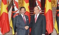 Thủ tướng Nguyễn Xuân Phúc đề nghị Việt Nam và Brunei thúc đẩy hợp tác trong lĩnh vực biển, đại dương