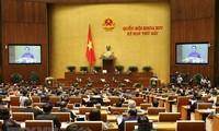 Quốc hội thảo luận về tình hình phát triển kinh tế xã hội